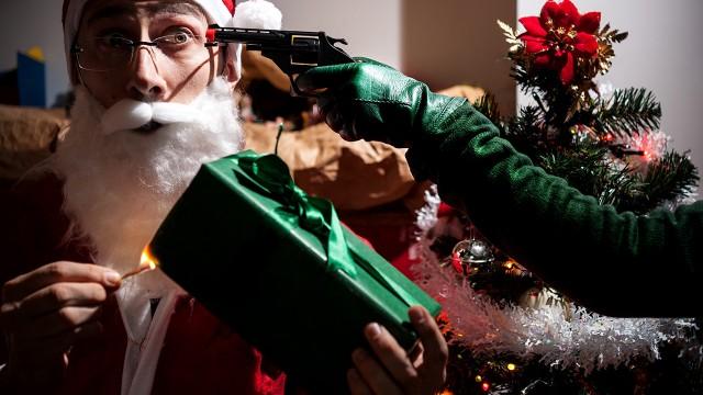 Grinch vs. St. Claus